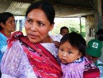 projet/femme-maya-et-enfantjpg